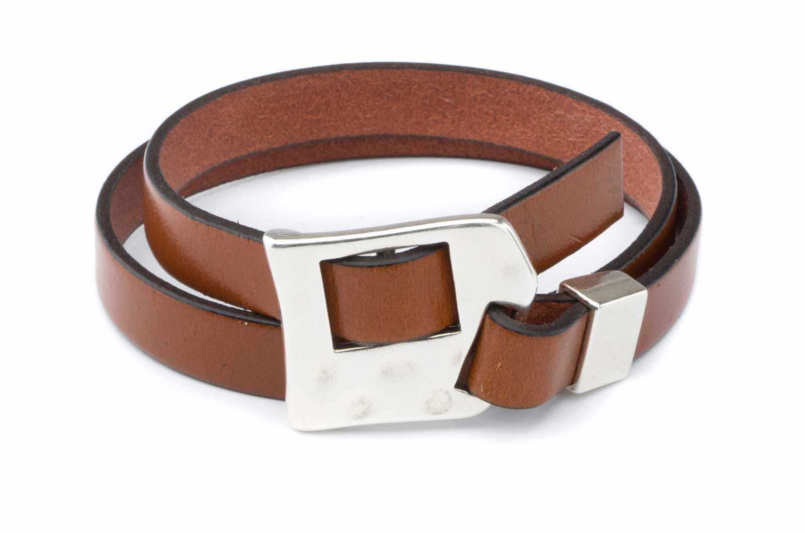 fermeture bracelet cuir