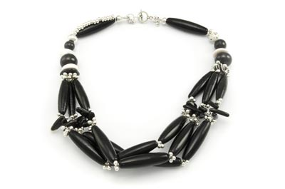 collier multirangs noir