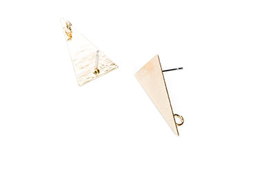 clous d'oreilles laiton triangle 13*23mm doré x2pcs