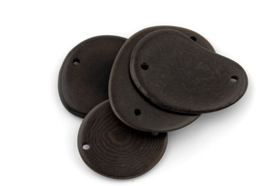 tagua tranche 2 trous environ 40mm chocolat x1pc